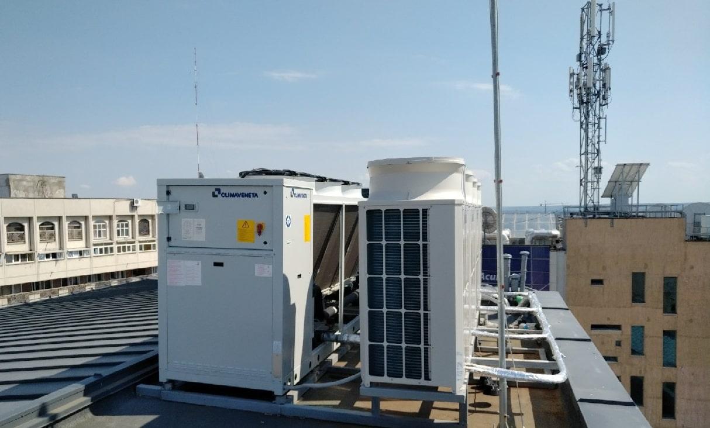 Centrul Universitaria climatizare chiller Climaveneta=Mitsubishi Electric VRF